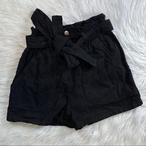 PrettyLittleThing black paper bag waist sz 6